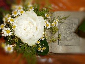 Trauerfloristik ein kleines Blumen-Bukett